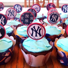 HIT A HOMERUN AT YOUR NEXT YANKEES PARTY